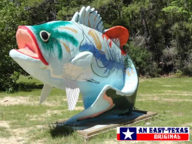 Large iconic fish on the Louisiana side of Toledo Bend Reservoir at Pendleton Bridge