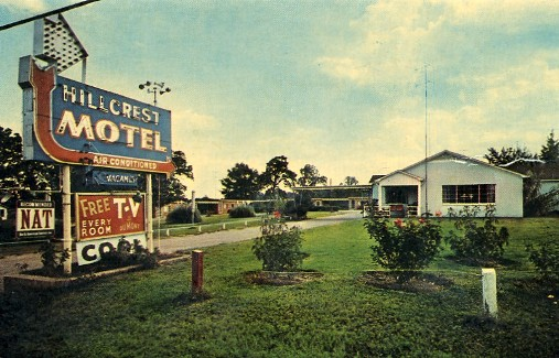 Historic postcard of the Hillcrest Motel, Mt. Pleasant, Texas